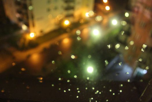 Rain bokeh by mathyrawr