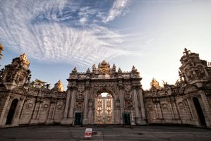 Dolmabahce Palace by BloodStainedKid
