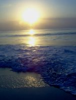 Foamy Wave in the Sunrise by totallehmaddeh