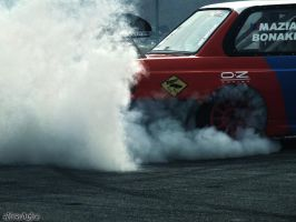 Burn some rubber! by enxo7