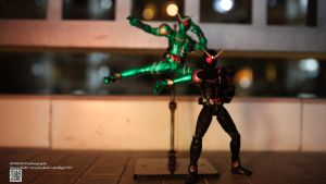 S.H. Figuarts Kamen Rider Joker + Cyclone by Digger318