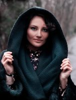 Hooded Girl by wwit