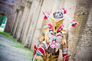 Doomcryer_ in the temple by CalipsoCosplay