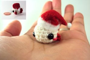 Santa's Helper - Xmas Goldfish by altearithe