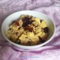 apple and raisin oatmeal by BentoLove