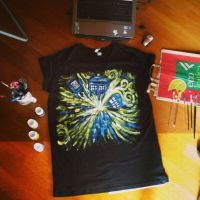 Exploding Tardis t-shirt by DitaDiPolvere