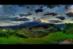 Bucegi Panorama - HDR by vxside