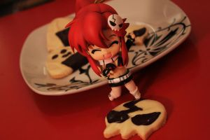 Yoko seems to like the cookie :3 by seviesphere