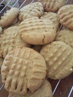 Peanut butter cookies by MegWhiteIII