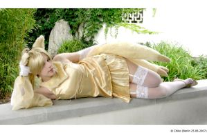 Ninetales Pokemon Cosplay by Xx-lil-xX
