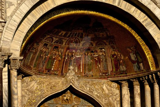 Artwork on Doges Palace by mhomami
