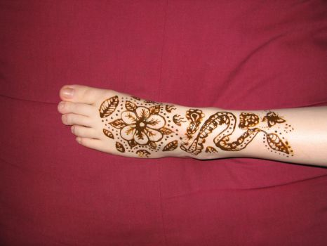 One Foot of Henna by KiusLady