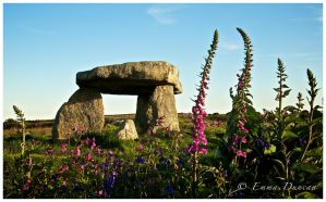 Lanyon Quoit by Shutterflutter