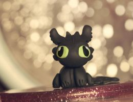 Toothless by Pinepassionmango