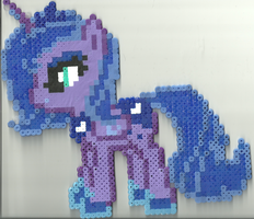 Large Luna by Ravenfox-Beadsprites