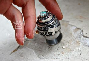 Ring raven silver sterling opal by honeypunk