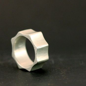 Gear Ring by xodropdeadox