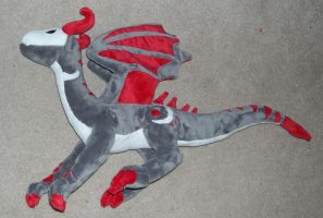 Vampire dragon plush by Bladespark