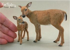 Miniature 1:12 scale Doe and fawn sculpture by Pajutee