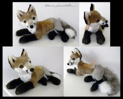 Proto Laying Red Fox by Sariti