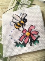 Bee Wall Hanging by YoungManGrannySquare