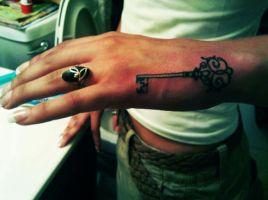 Key To Your Heart Tattoo by ngoc50