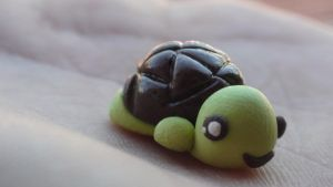 Turtle charm by lilshymecharmz