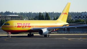 DHL 767 Taxi by shelbs2