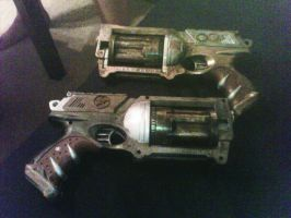 Steam Punk Guns by SirPreacher