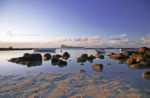 Rocky Beach by Rems84