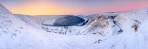 Winter sunset over the forest by Viand
