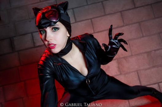 Catwoman by FlorBcosplay