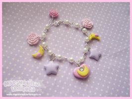 Charming Moon Bracelet by Irudisu