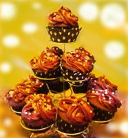 Glowing Polka-dot Cupcakes by 3TheCrazyM3