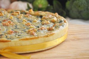 Spinach and nuts quiche by TigerQG