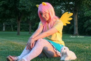 My Little Pony: FIM / Fluttershy Cosplay by SailorSamara