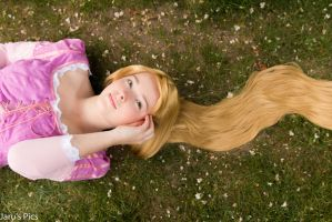 Tangled - Rapunzel Cosplay: 'Leaf Green' by Fidessa-chan