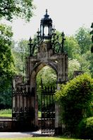 Llantarnam Priory Gateway by Tinap