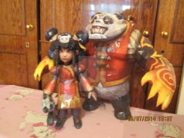 Annie and Tibbers papercraft by eretik89