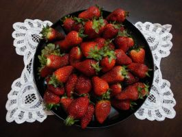 Strawberries by Maleiva