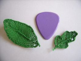 Needlepoint Lace Leaves by insomniacs-nightmare
