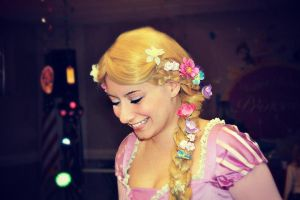 Rapunzel's Smile by WickedLover010
