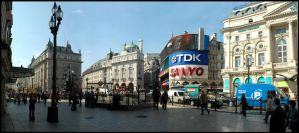 Piccadilly Circus by kimjorsing