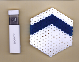 HexFlash1: Blue and White by NeuronPlectrum