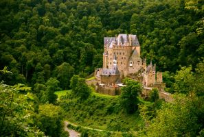 Eltz Castle II by Roman89
