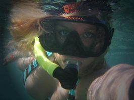 snorkeling 2 by lizzzsal