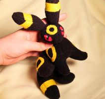 Umbreon Plush v2 by BeeZee-Art