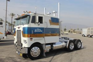 Cabover Pete by DrivenByChaos