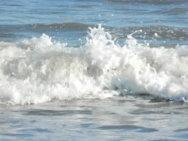 Small Wave by JennyM-Pics