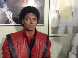 MJ Thriller lifesize statue pic quickie by godaiking